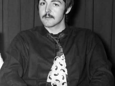 Paul McCartney en Córdoba  1966 ( The Beatles en España) Yesterday