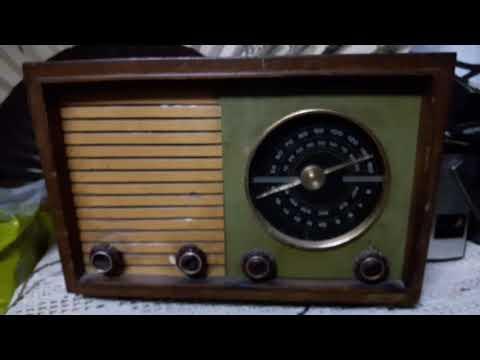 Antigua Radio Valvular Funcionando