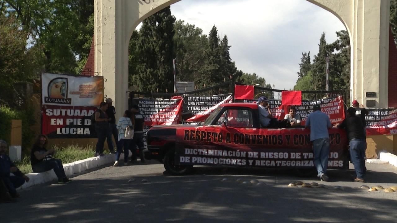 Conjuran huelga en la UAAAN - YouTube
