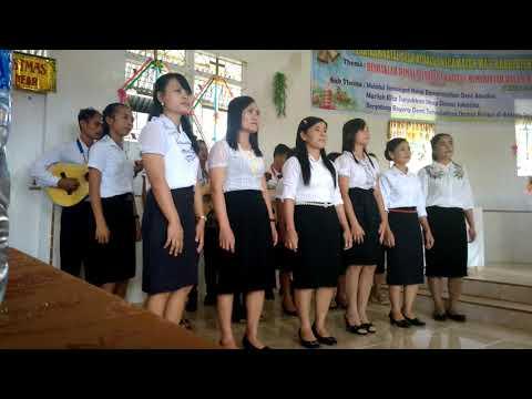 Juara 1 lomba vocal group desa atualuo,kecamatan ma'u