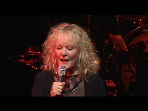 Petula Clark - I Couldn't Live Without Your Love (Live Olympia)