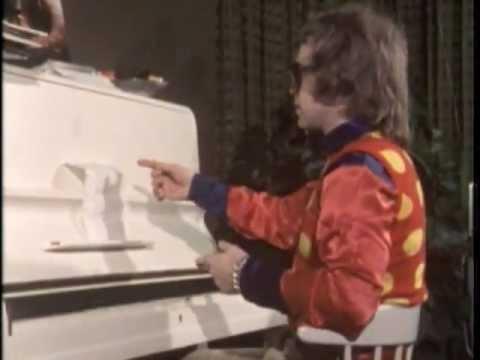 Elton John - Tiny Dancer (Live in 1970)