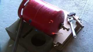 Ouvrir facilement une bouteille de gaz vide | Lire description