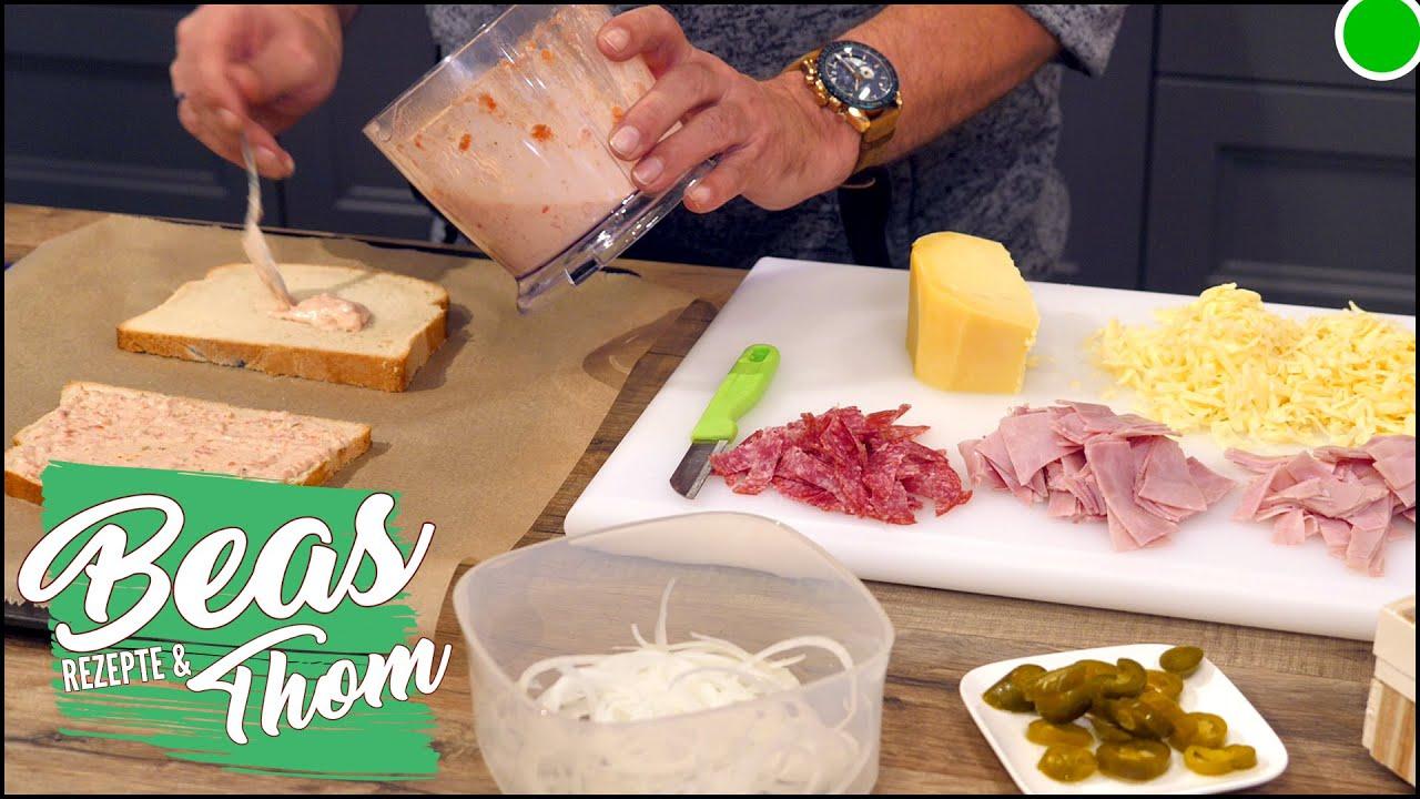 Toast Pizza Diavolo 👹 Rezept zum Überbacken mit Käse