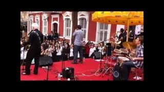 ÖZDEMİR SABANCI EMİRGAN LİSESİ KONSER 27 NİSAN 2011-HER ŞEYİ YAK