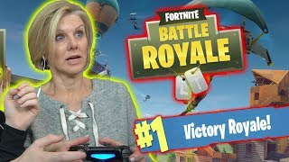 MOM PLAYS FORTNITE! (HILARIOUS)