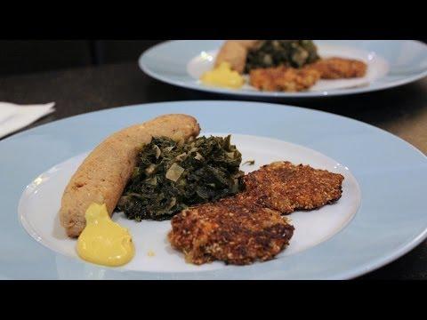 Grünkohl Hiller Art mit Süßkartoffelpuffer und Tofu-Seitan-Würstchen | TierheimTV kocht vegan