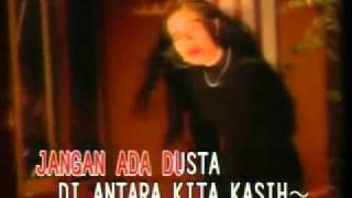 Jangan Ada Dusta Di Antara Kita - Broery & Dewi Yull _ by Dea.mp4 Mp3