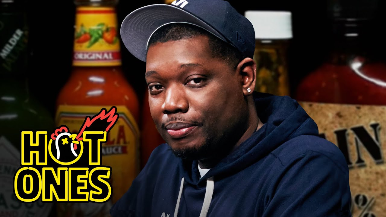 Michael Che Gs Up While Eating Spicy Wings | Hot Ones