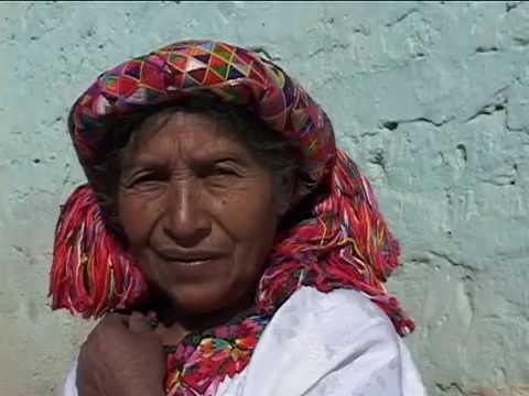 Un Siglo de Colores: Los Tejidos Mayas (Español R1)