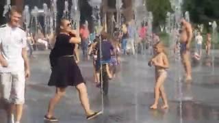 Стихия воды - Фонтаны на Крымской набережной, Москва летом