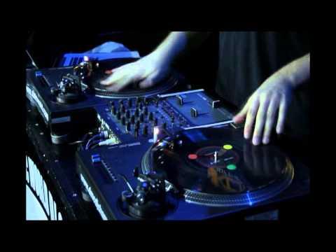 2012 - DJ Vekked (Canada) - DMC World DJ Final