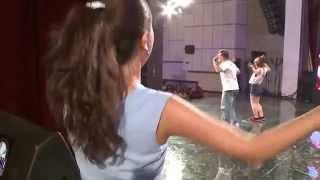 mc thanh van cuc nhang trong hau truong vietnams got talent 2014