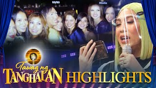Vice shows a picture of him with the IT girls | Tawag ng Tanghalan