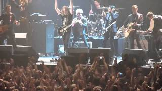 "The Scabs ""Rockin in the free world"" live Lotto Arena 17.12.2010"