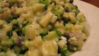 Салат с малосольной сельдью и авокадо