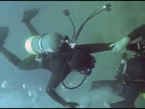 My favorite female scuba fight! – Part 1 – (HD) | Frogwoman