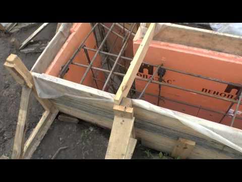 видео: Ленточный фундамент: литьё бетона в землю + несъёмная опалубка из ЭППС (Пеноплэкс) - 1