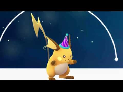 Evolving Festive Hat Pikachu To Raichu Pokemon Go Youtube