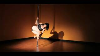 How to Do a Corkscrew Spin   Pole Dance