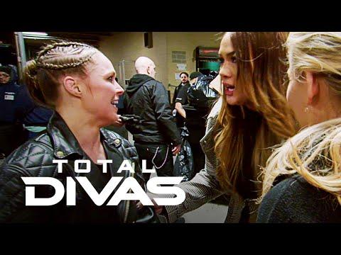 See Nia Jax & Ronda Rousey's Heated Moment | Total Divas | E!