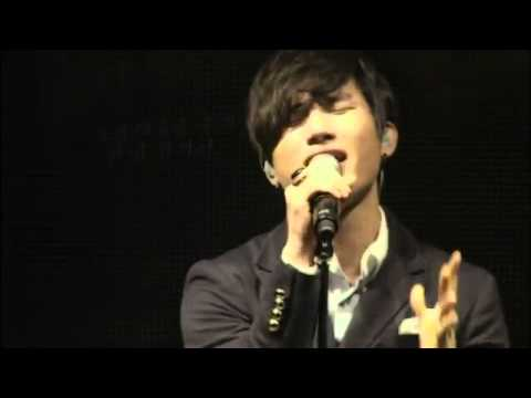 Daesung's Baby don't cry live at BigShow 2011
