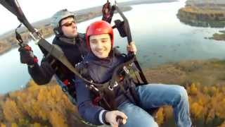 Полеты на параплане в Лечищево, в передней подвеске Александр Шилов
