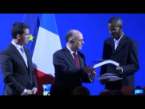 ▶ Mali man called hero in Paris attack gets French citizenship
