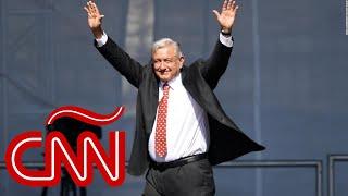 López Obrador celebra su primer año de gobierno