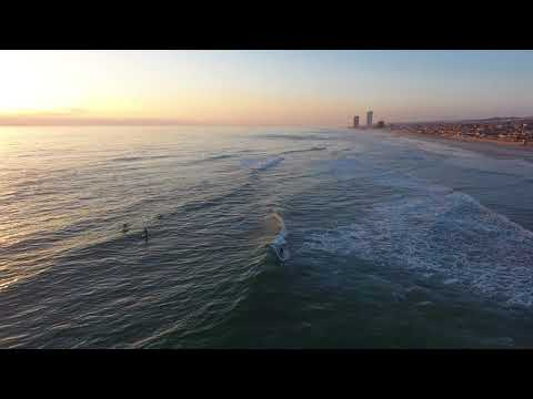 Surfing Mexico with Sven