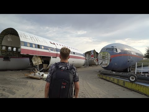 ABANDONED AIRPLANE GRAVEYARD ( Junkyard Dog Scare )