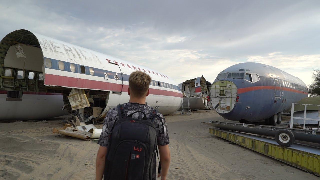 ABANDONED AIRPLANE GRAVEYARD ( Junkyard Dog Scare )