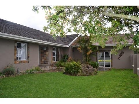 4 Bedroom House For Sale in Dorchester Heights, East London, South Africa for ZAR 1,995,000...