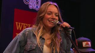 Danielle Bradbery - Interview (98.7 THE BULL)