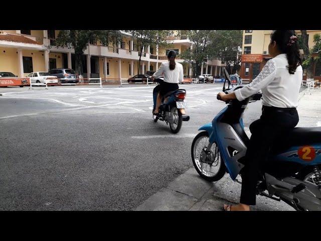 Test thử xe gắn chíp - Thi bằng lái xe máy