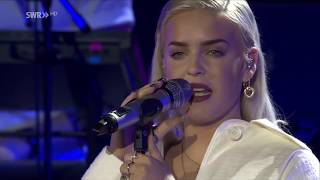 """Anne Marie """"Breathing Fire"""" LIVE at SWR3 New Pop Festival 2017"""