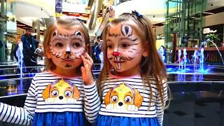 Хэлоуин 🎃 Играем на детской площадке Делаем Аквагрим в Развлекательном Комплексе MALL