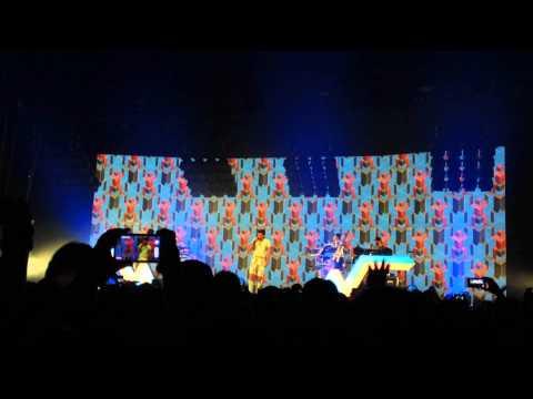 Stromae - Papaoutai @ Ziggodome Amsterdam 20-11-2014