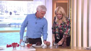 Holly And Phillip Mess Around With A Chocolate Teapot | This Morning