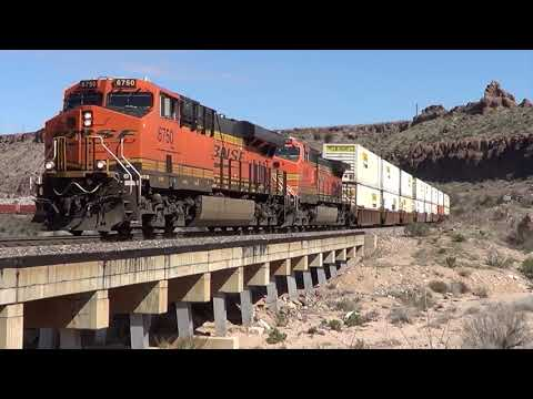 Fast Freight Trains on the BNSF Seligman Subdivision Arizona 2017