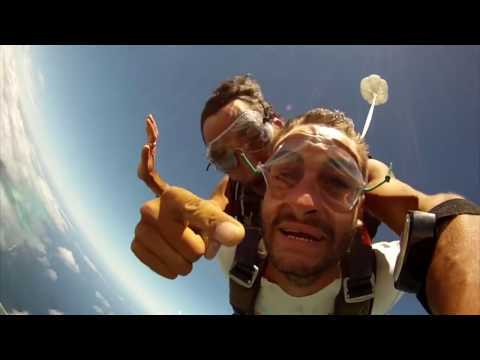 Skydiving in New Caledonia - 4000m - Lagoon