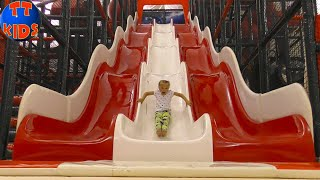 Indoor Playground Ярослава в Зип Зип Парке (Zip Zip Park) - Прыгаем на батутах - Турецкие Каникулы!