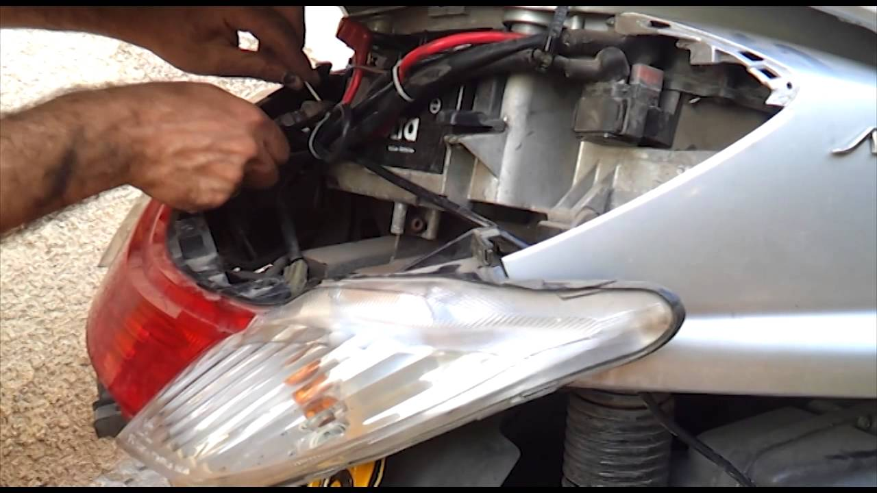 how to install car cigarette lighter in yamaha majesty 400