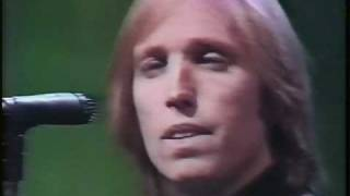 Watch Tom Petty  The Heartbreakers Face In The Crowd video