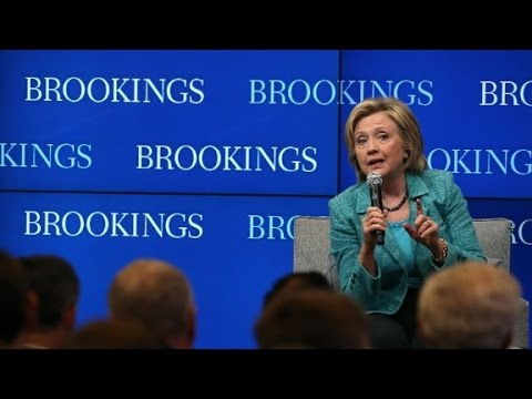 Clinton apologizes for email controversy