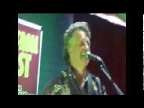 brian muldoon  senior citizens entertainer in melbourne