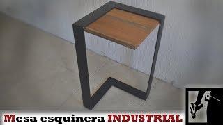 Mesa esquinera Industrial    Metal y Madera