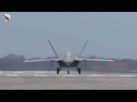 F-22 Raptors At Lakenheath With Radio Comms - AIRSHOW WORLD