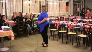 karaoke - Romina canta Se Bruciasse la città - Karaboombaa