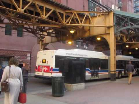"""Downtown Chicago Bus and """"L"""" Rush Hour"""